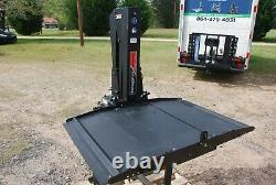 Pride Backpacker 2.0 Electric Wheelchair Scooter Platform Lift 350 lb Capacity