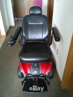 Mobilité En Fauteuil Roulant Marque Scooter Rouge Doucement Utilisé, Excellent État