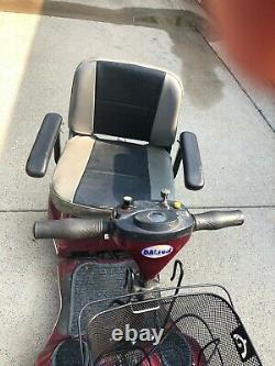 Scooter Électrique En Fauteuil Roulant Et Rampe