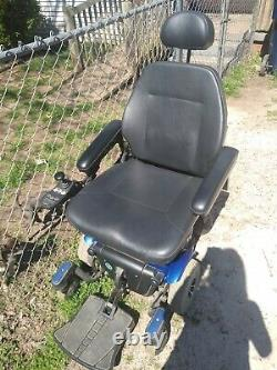 Scooter En Fauteuil Roulant À Mobilité Électrique Quantique